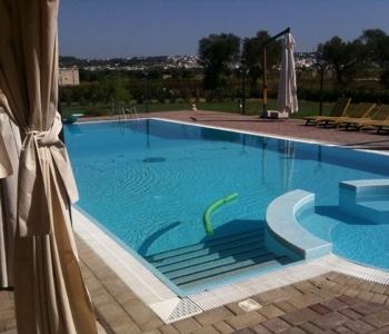 V211, Villa Con Piscina Parabita