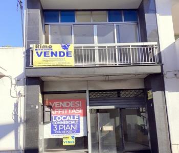 V650, Locale Commerciale Taviano