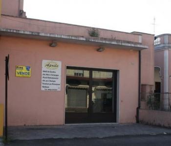 V137, Locale Deposito Taviano