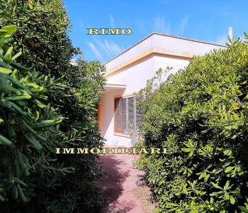 V696, Villetta con giardino Racale